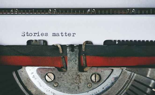black and red typewriter